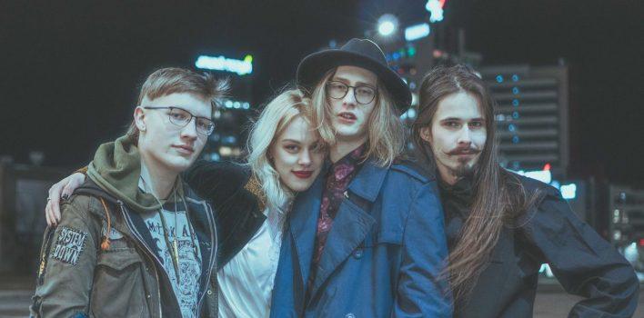 Elīzai Dainei un ''Purple Negative'' gaidāms pirmais mini albums